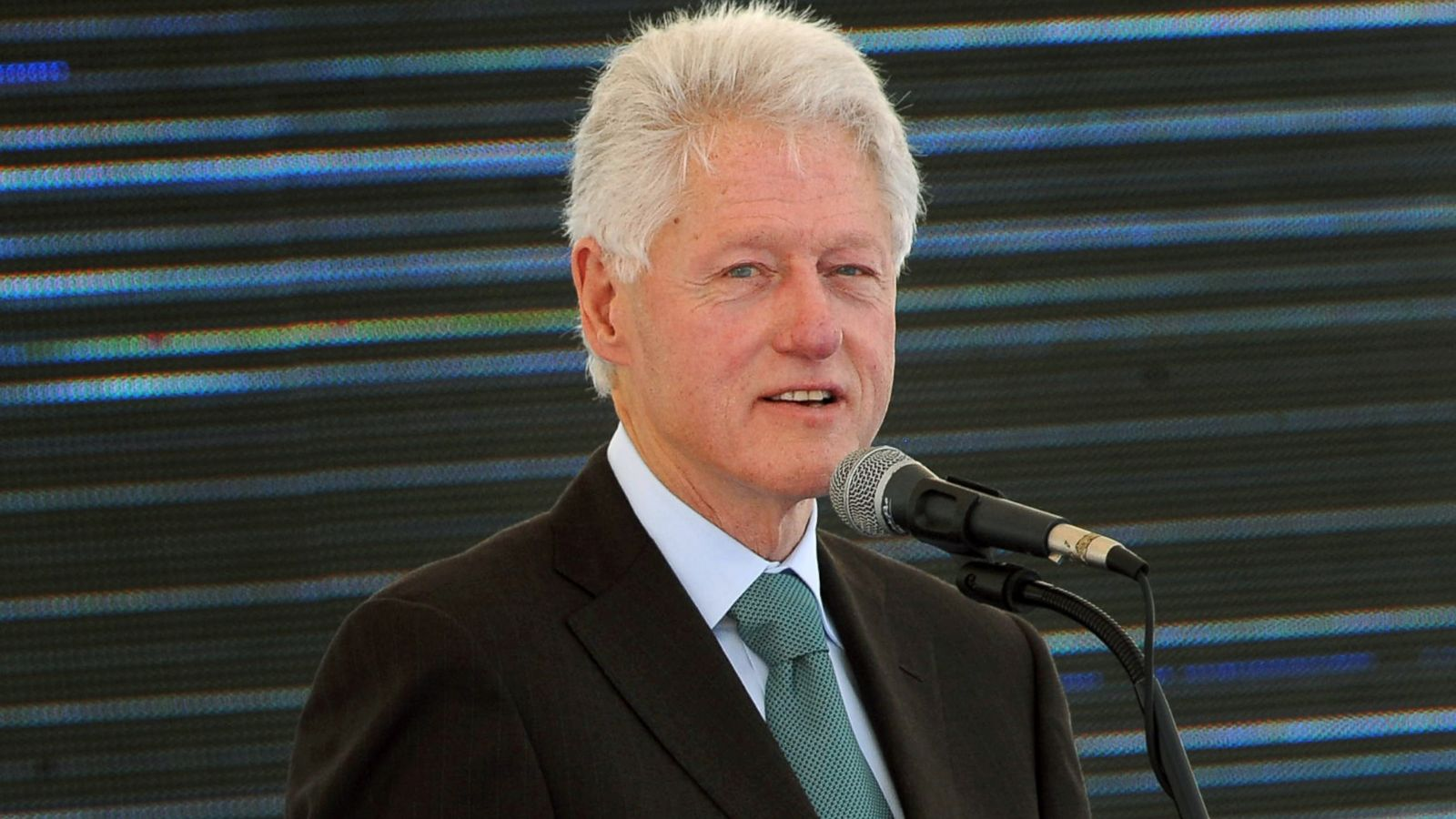 Bill Clinton Wouldn't be Surprised if Aliens Exist