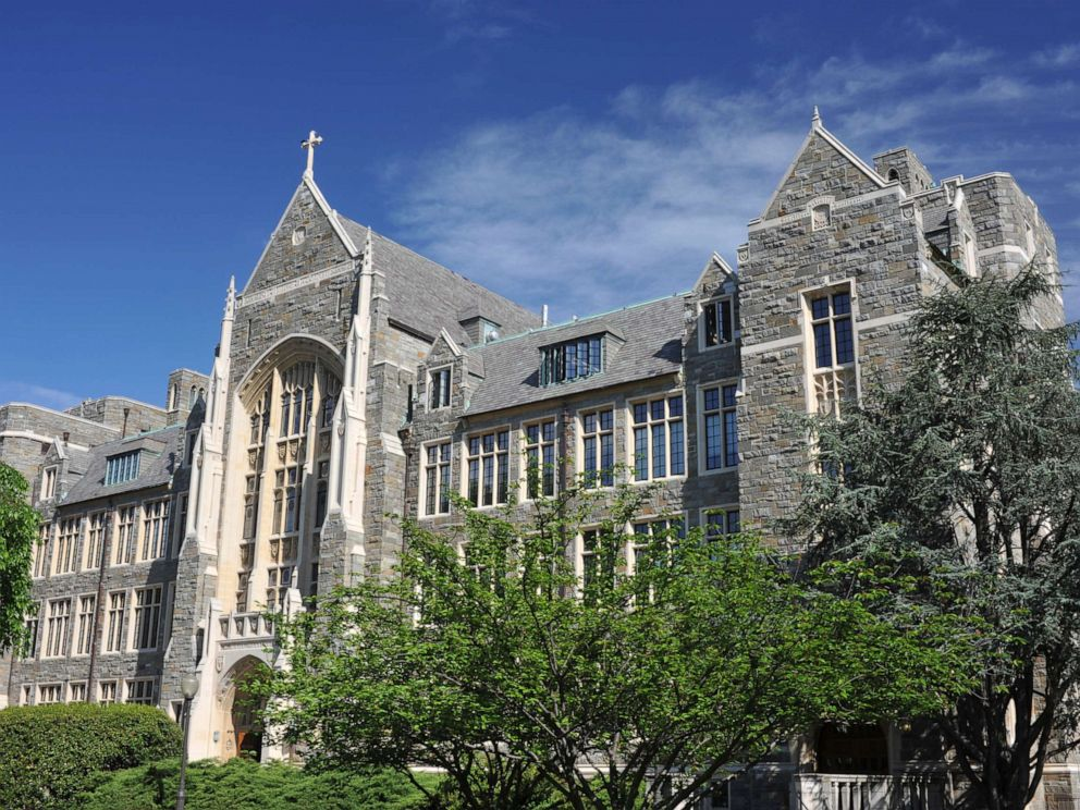 White-Gravenor Hall of Georgetown University
