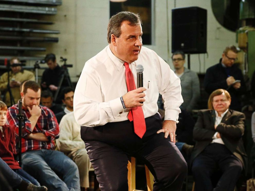 PHOTO: New Jersey Governor and Republican presidential candidate Chris Christie speaks at a town hall event at a metal fabrication company, Feb. 8, 2016, in Hudson, N.H.