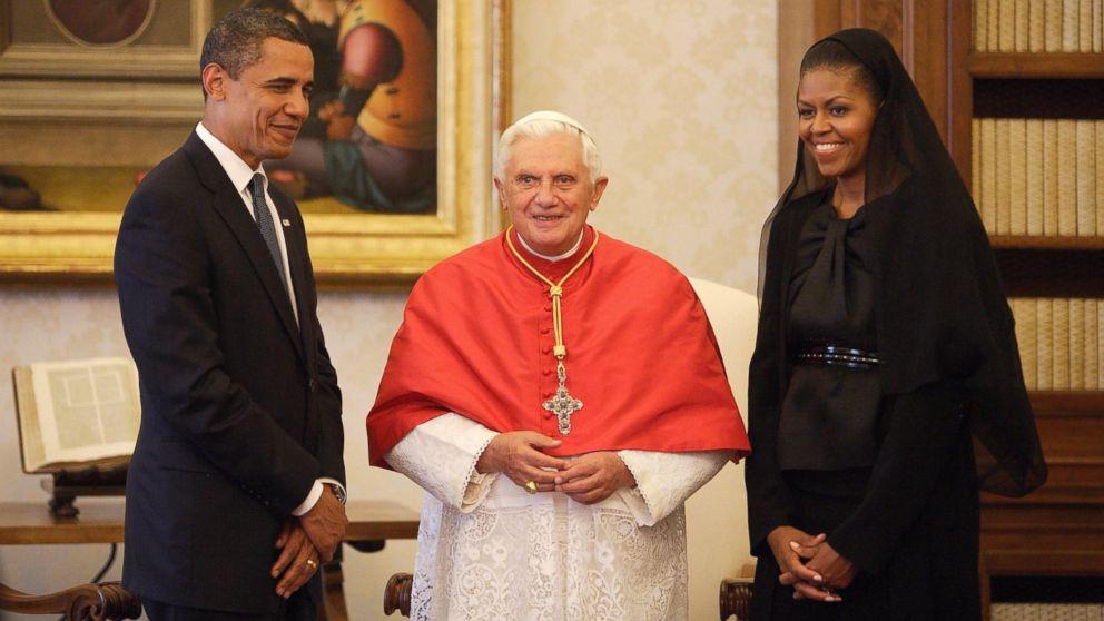 https://s.abcnews.com/images/Politics/GTY_obamas_vatican_sr_140326_16x9_992.jpg
