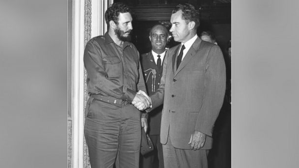 PHOTO: Cuban President Fidel Castro shaking hands with former US Vice-President Richard Nixon during a press reception in Washington.