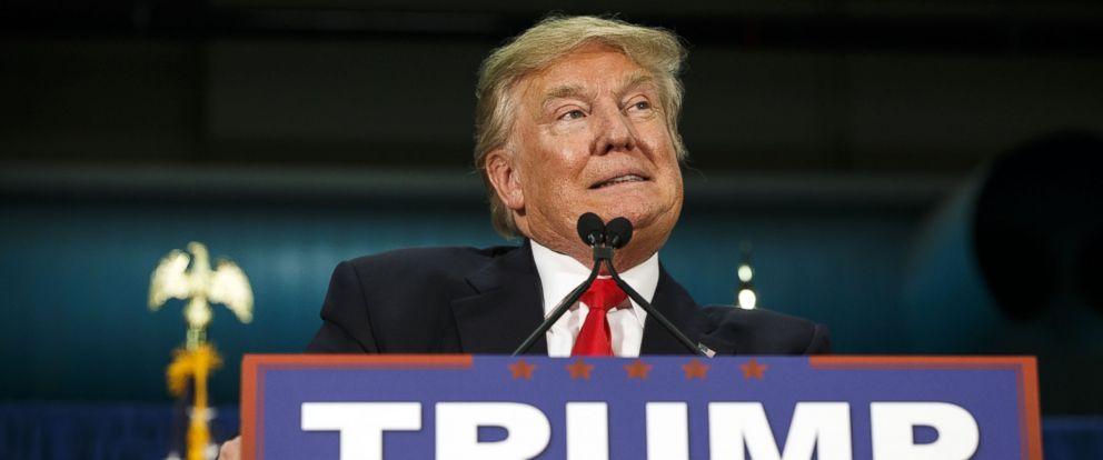 PHOTO: Donald Trump speaks during an event in Iowa City, Iowa, Jan. 26, 2016.