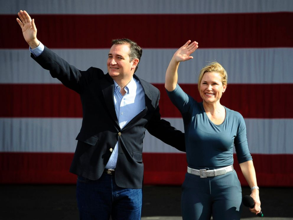 PHOTO: Ted Cruz and wife Heidi wave to supporters during his Keep The Promise rally in Concord, N.C., March 13, 2016.