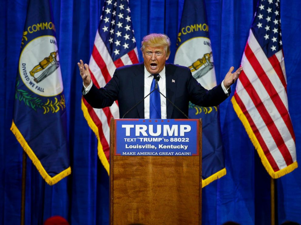 PHOTO: Donald Trump speaks to supporters in Louisville, Kentucky, March 1, 2016.