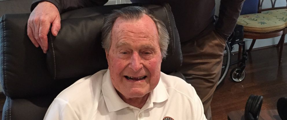PHOTO: Former president George H.W. Bush with his nephew, Denver Broncos president Joe Ellis, in a photo tweeted by NFL executive Greg Aiello on February 3, 2017.