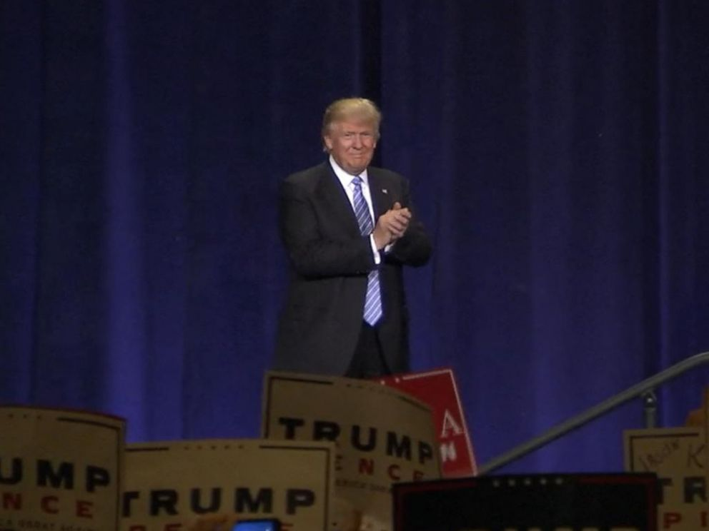 PHOTO: Donald Trump gives a speech on immigration, on Aug. 31, 2016, in Phoenix.