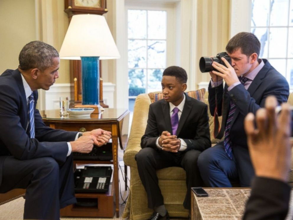 PHOTO: President Barack Obama meets Vidal Chastanet and Nadia Lopez and is photographed by Brandon Stanton for the Humans of New York blog in the Oval Office, Feb. 5, 2015.