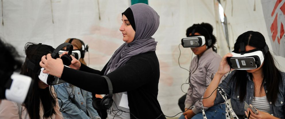 PHOTO: Visitors can watch original virtual reality documentaries produced by Doctors Without Borders that tell patient stories from Tanzania, Mexico and Iraq, Sept. 24, 2016.