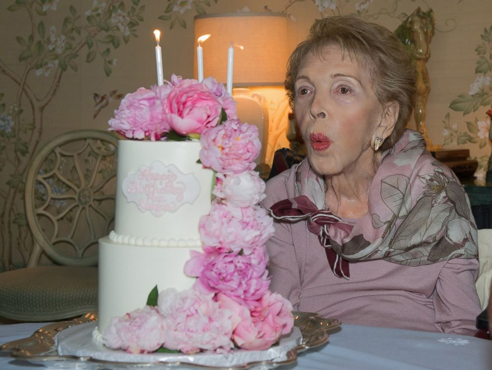 PHOTO: Former first lady Nancy Reagan celebrates her 94th birthday, July 6, 2015.