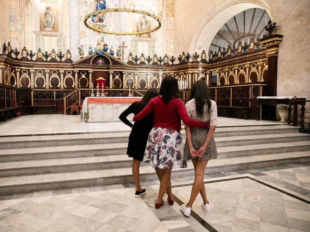 PHOTO: First Lady Michelle Obama and daughters Malia and Sasha tour La Catedral de la Virgen Maria de la Concepcion Inmaculada in Old Havana, Cuba, March 20, 2016.