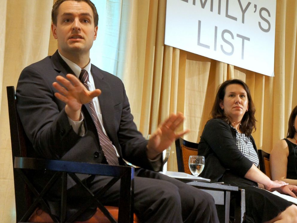 PHOTO: DCCCs Robby Mook speaks with members of Emilys List in this Oct. 25, 2010 file photo.