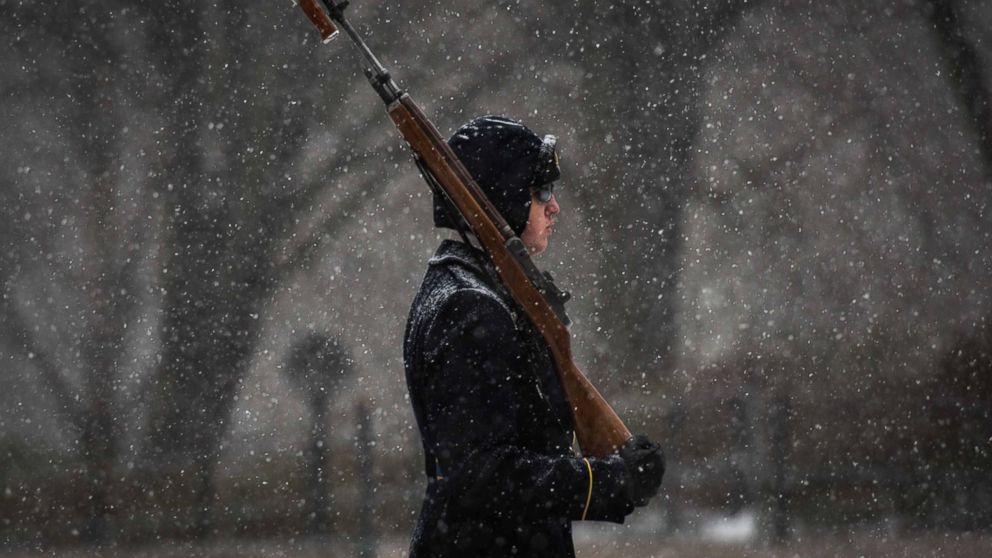 HT_unkown_soldier_snow_04_mm_160123_16x9