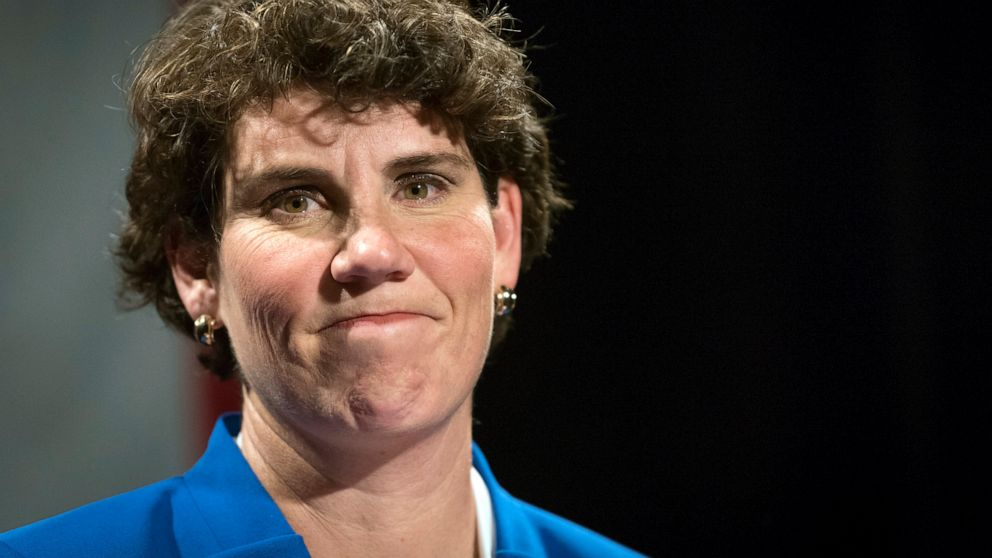 Amy McGrath defeats Charles Booker in closely-watched Kentucky Senate primary, will face McConnell in November thumbnail