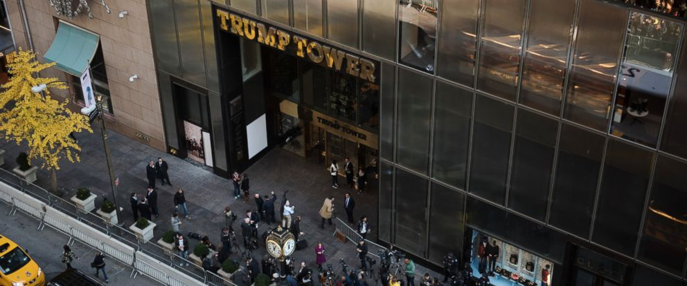 PHOTO: Reporters wait outside Trump Tower on Fifth Avenue in New York City, Nov. 16, 2016.