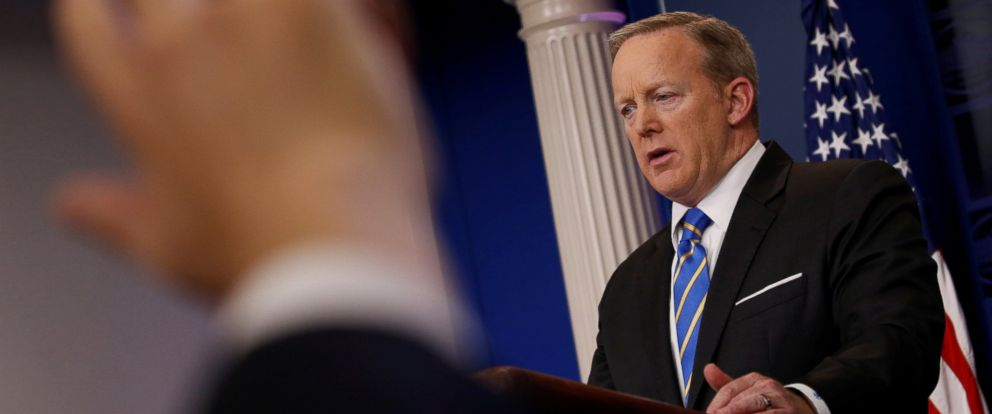 PHOTO: White House Press Secretary Sean Spicer holds his daily briefing at the White House, May 15, 2017, in Washington.