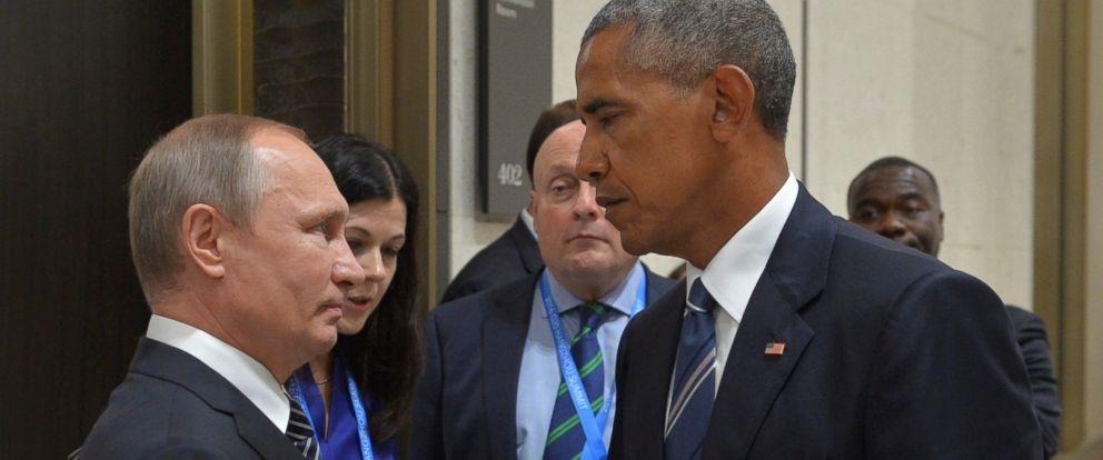 PHOTO: Russian President Vladimir Putin comes face to face with President Barack Obama on the sidelines of the G20 Summit in Hangzhou, China, September 5, 2016.