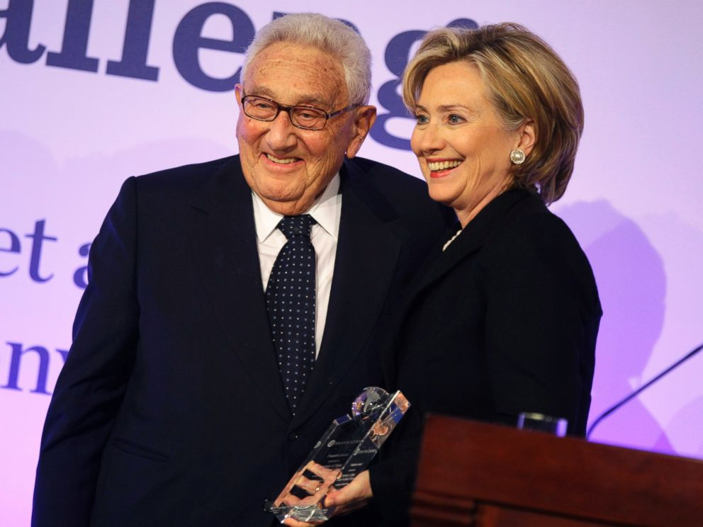 PHOTO: Hillary Clinton receives the Freedom Award for the American People from former Secretary of State Henry Kissinger during the Atlantic Council Awards ceremony at the Adlon hotel in Berlin, Nov. 8, 2009.