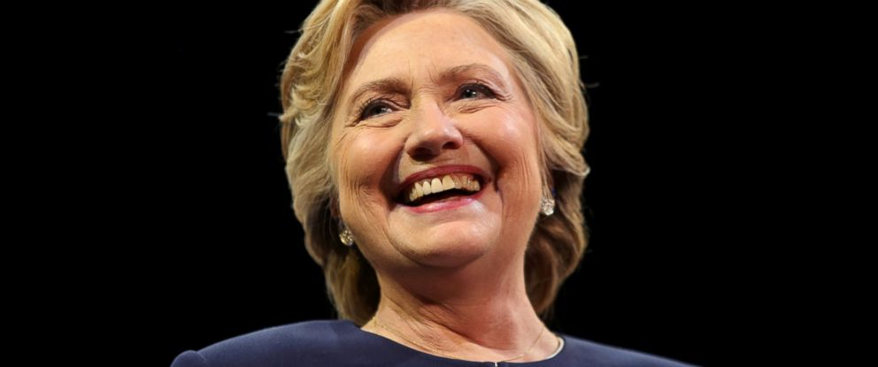 PHOTO: Democratic presidential nominee Hillary Clinton smiles as she greets the crowd at a fundraiser in San Francisco, Oct. 13, 2016.