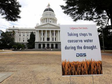 Gubernur California mengumumkan darurat kekeringan di 2 kabupaten thumbnail