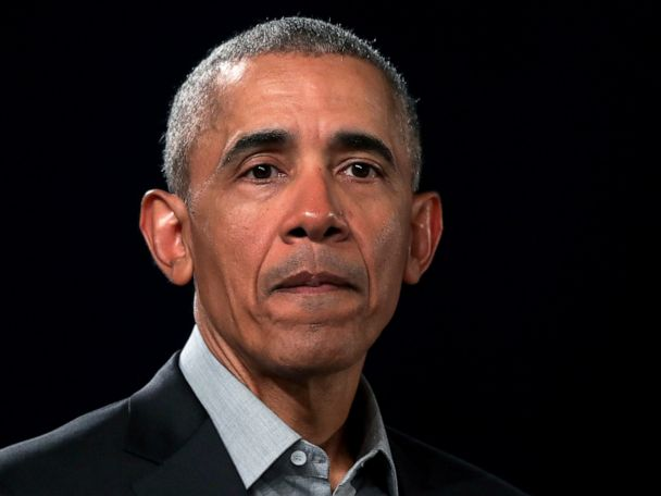 Obama cautions Democratic hopefuls on tacking too far left
