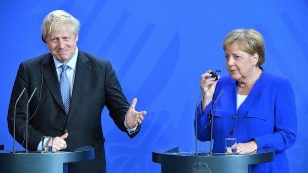 UK's Johnson presses for fresh Brexit talks in Paris