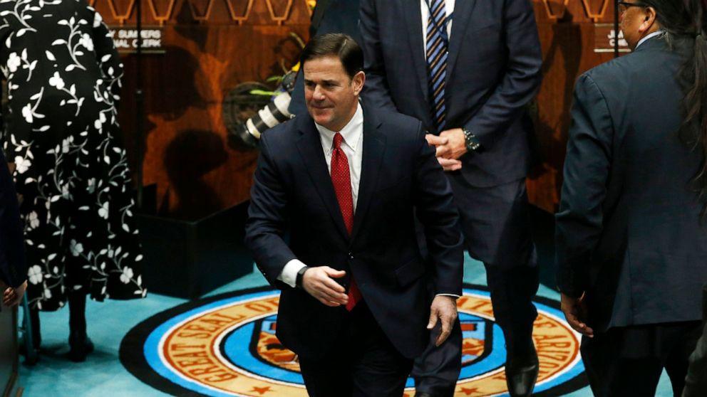 アリゾナ州知事に引き入国管理計画の中で、事業の反乱