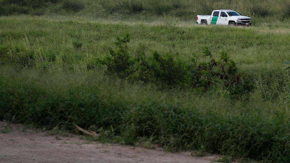43-year-old El Salvador migrant dies in US border custody thumbnail