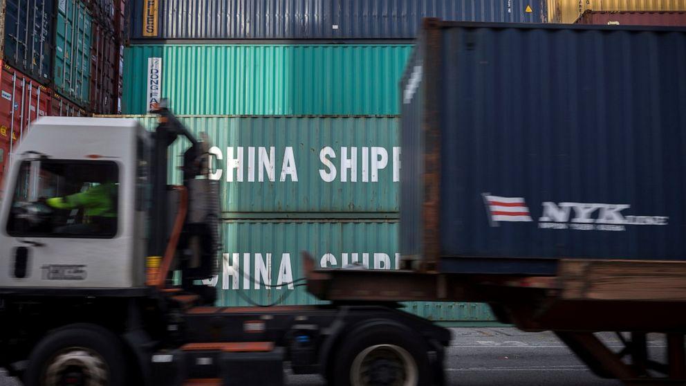 Q&A: Does a manufacturing slump threaten the US economy? thumbnail