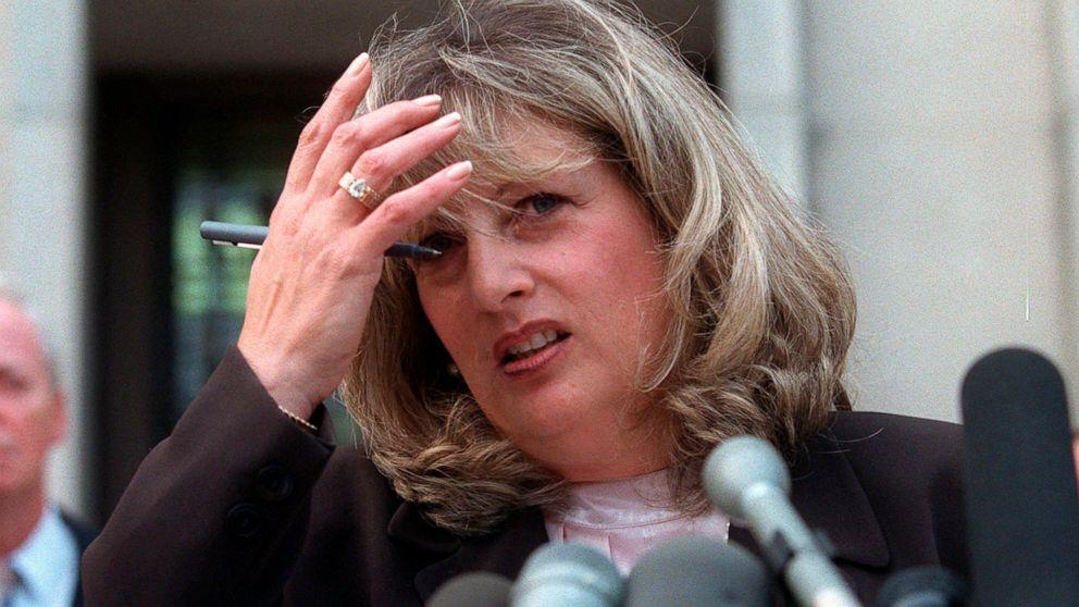 Linda Tripp, dan kaset terkena skandal Clinton, meninggal pada 70