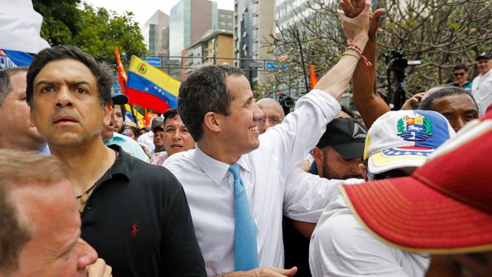 Guaido ζητεί κυβέρνηση εθνικής ενότητας που υποστηρίζεται από δάνεια για την καταπολέμηση του ιού
