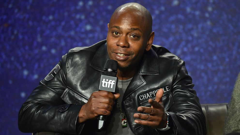 Boundary-pushing Dave Chappelle set to receive comedy award thumbnail