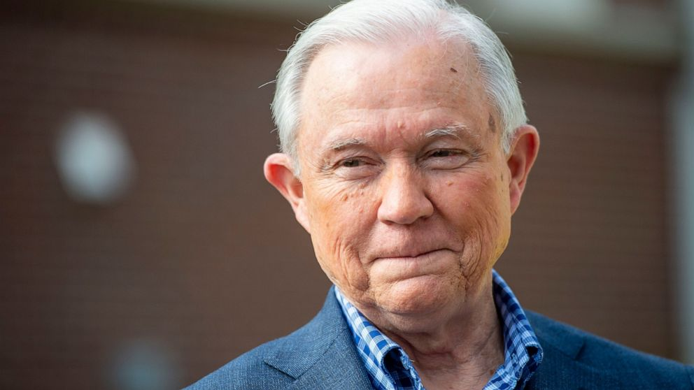 Trump Kampagne ruft Sessions 'wahnhafte' in Brief
