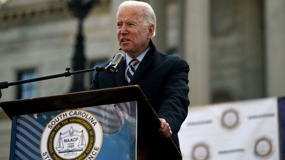 Biden menghadapi persaingan untuk black suara di 'firewall' SC