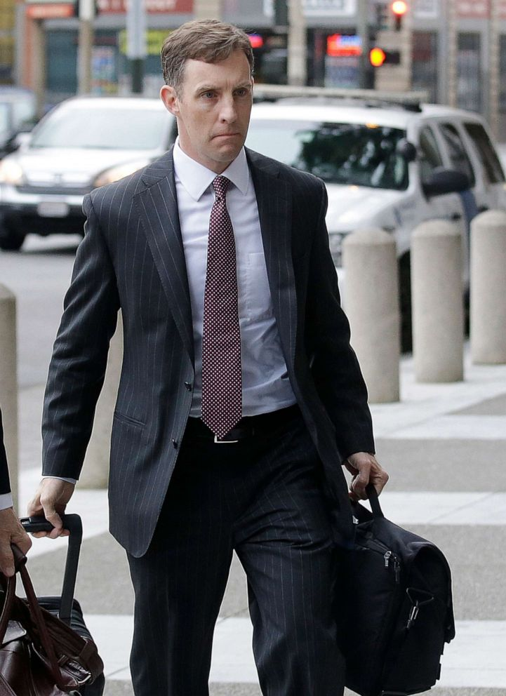 PHOTO: Attorney Aaron Zebley arrives at the Phillip Burton Federal Building in San Francisco, April 21, 2016.