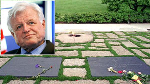 Ted Kennedy will be buried near JFK at Arlington National Cemetery