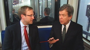 PHOTO Jon Karl and Senator Roy Blunt ride the underground subway in the US Capitol.