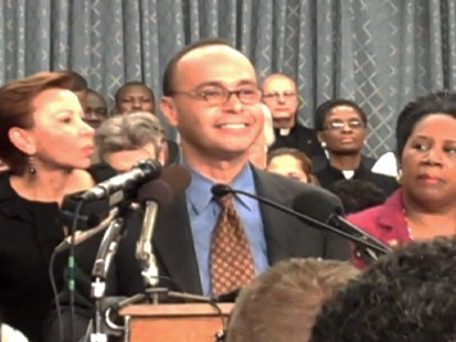 Video of Rep. Guitierrez and others unveil a plan to fix immigration reform.