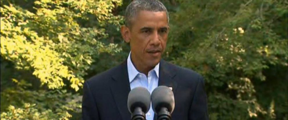 PHOTO: President Obama delivers remarks on the situation in Iraq from Chilmark, Mass., Aug. 11, 2014.