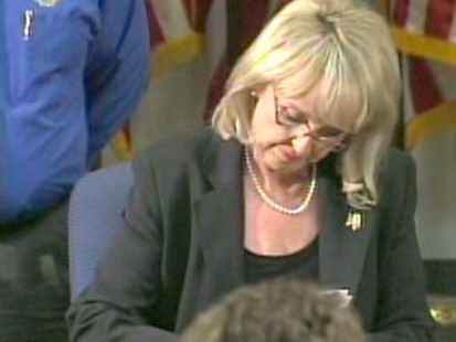 VIDEO: Governor Jan Brewer announces that she will sign AZ immigration bill.