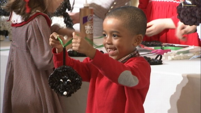 VIDEO: Michelle Obama Shows Kids Xmas at the White House