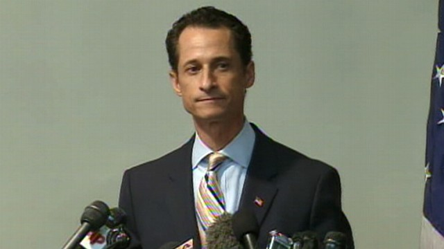 VIDEO: Rep. Anthony Weiner is heckled during resignation announcement.