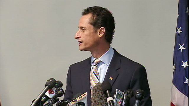 PHOTO: Anthony Weiner announces his resignation from Congress during a news conference in Brooklyn, NY., June 16, 2011.