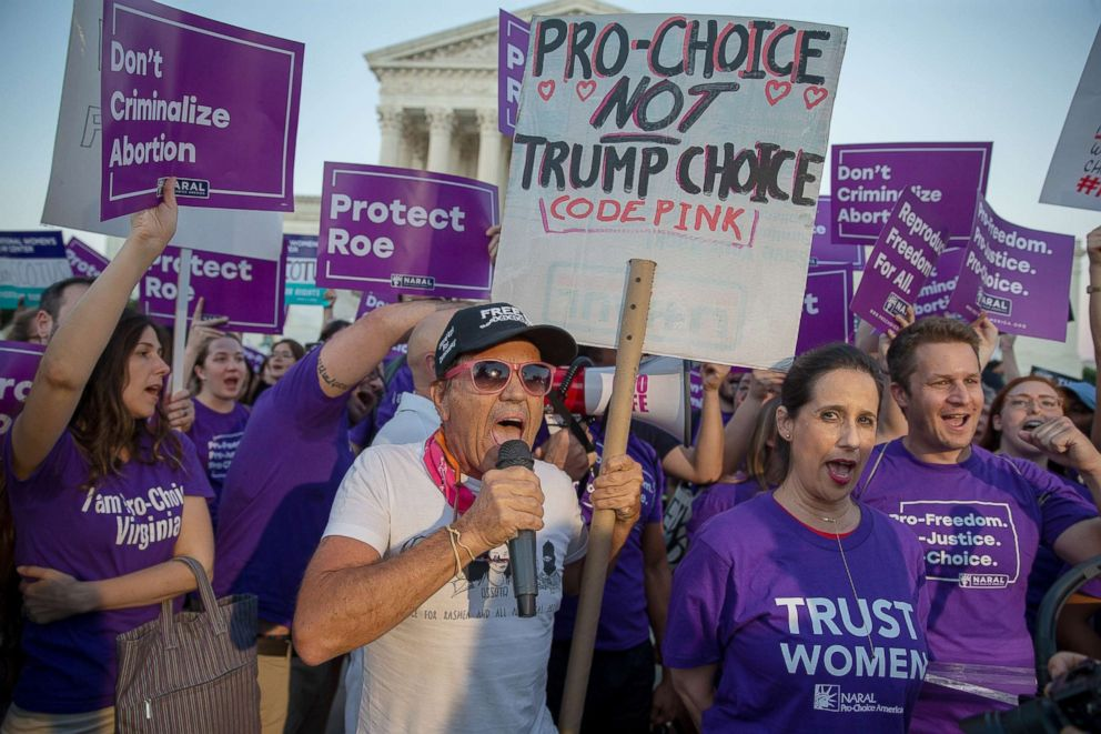 PHOTO: Abortion rights supporters along with anti-abortion rights protesters demonstrate in front of the U.S. Supreme Court, July 9, 2018 in Washington, D.C.