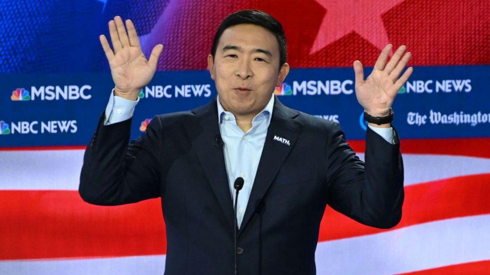 Andrew Yang wird der 1. Kandidat der Farbe, um sich zu qualifizieren für die Dezember-Debatte