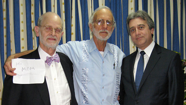 PHOTO: Alan Gross, Rabbi Elie Abadie and lawyer James Berenthal