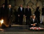 PHOTO: President Obama at Holocaust Memorial