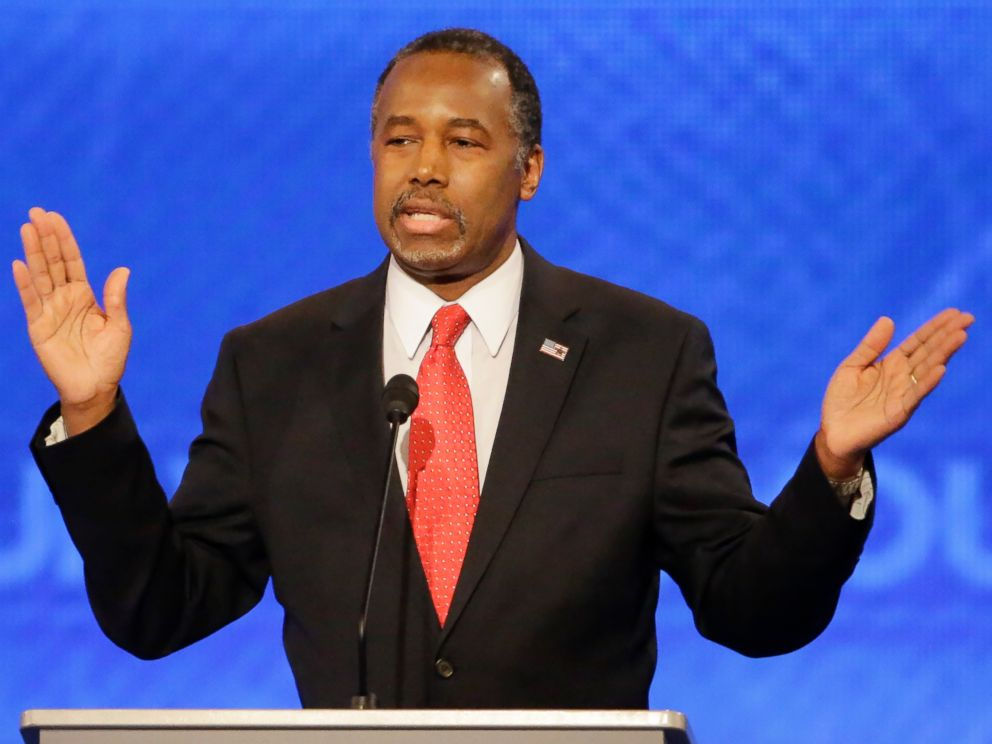 PHOTO: Republican presidential candidate Ben Carson speaks to supporters at his campaigns caucus night rally on Feb. 1, 2016, in West Des Moines, Iowa.