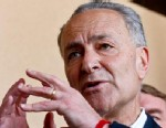 PHOTO: Sen. Chuck Schumer, D-N.Y., makes a point during a news conference in Nogales, Ariz., March 27, 2013.