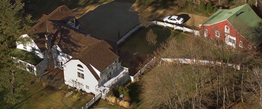 PHOTO: In this Jan. 5, 2000, file photo, the President Bill Clinton and Hillary Rodham Clintons home is seen from the air in Chappaqua, New York.