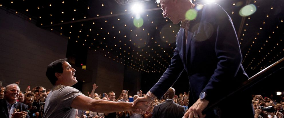 PHOTO: Dallas Mavericks owner Mark Cuban, left, shakes hands with former President Bill Clinton during a rally for Democratic presidential candidate Hillary Clinton at David L. Lawrence Convention in Pittsburgh, Saturday, July 30, 2016.